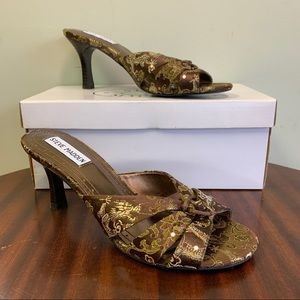 Steve Madden Brown Embroidered Kiss Heels 7.5